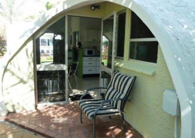 beachfront-accommodation-cairns